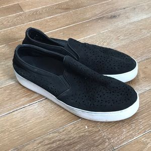 Vionic slip on sneakers